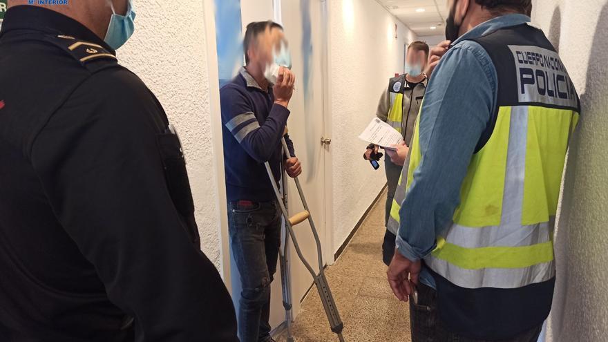 Detenidos dos argelinos, presuntos miembros de una organización que trae migrantes en pateras a Balears