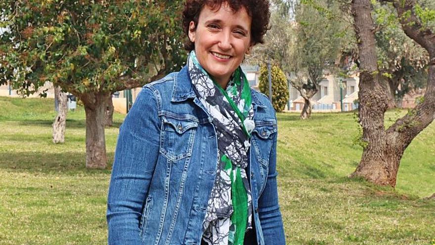 'La Panderola' hace parada en Onda para mostrar su belleza