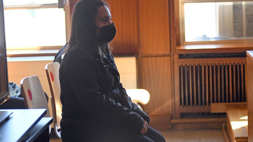 Cuatro años de cárcel por intentar matar a su madre tirándola por las escaleras