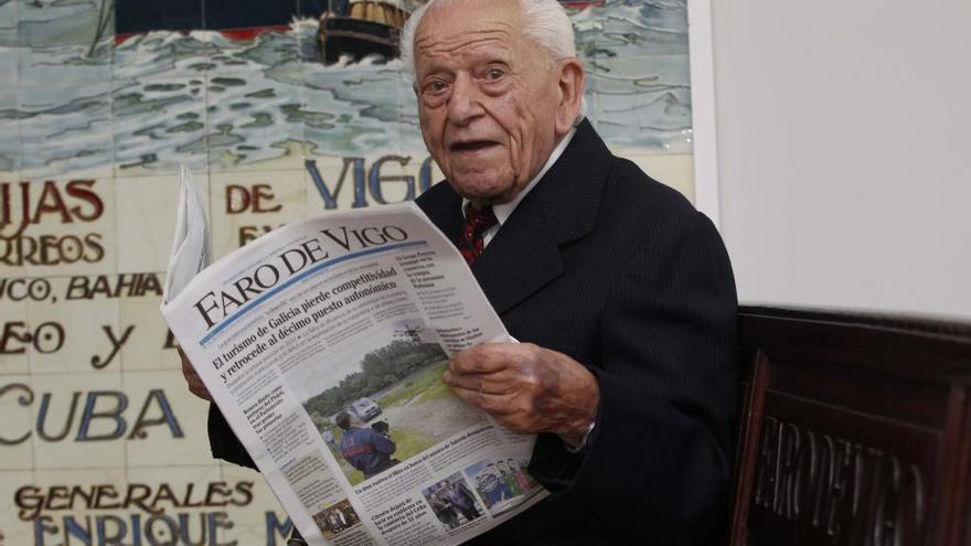 Muere a los 105 años O Puga, el peluquero de O Calvario
