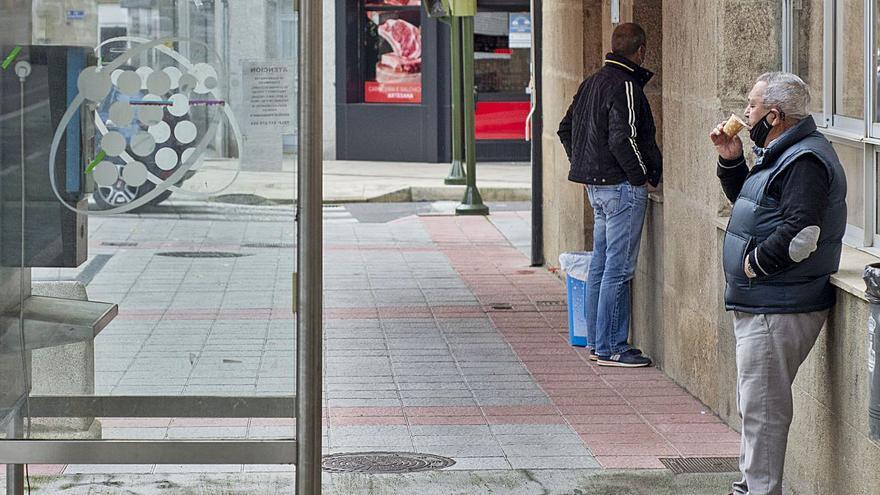 """Sanidade pide """"prudencia"""" en la capital y la hostelería reabre en Verín, Coles y Amoeiro"""