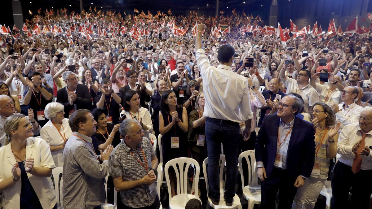 El presidente del Gobierno, Pedro Sánchez, tras ser elegido secretario general del PSOE en 2017.
