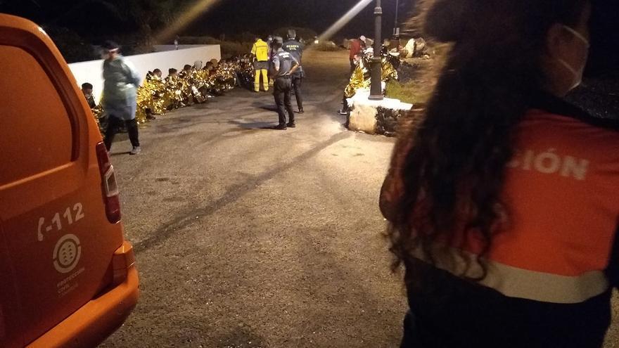 Una nueva patera eleva a 240 la cifra de inmigrantes llegados a Canarias en las últimas horas