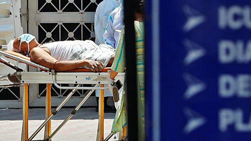 L'Índia supera els 190.000 morts per covid enmig d'una greu crisi clínica
