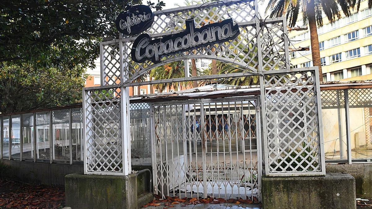 La cafetería Copacabana, en Méndez Núñez, cerrada desde octubre de 2019.