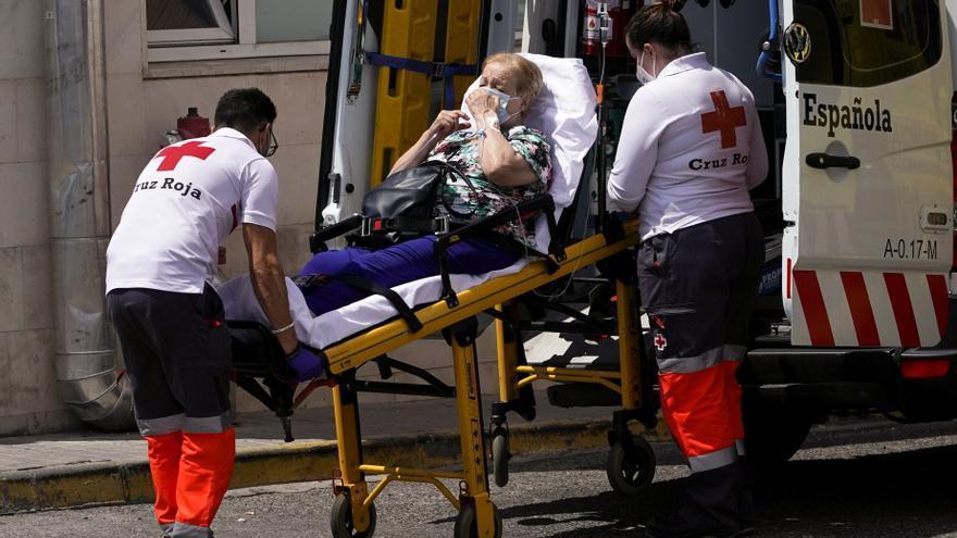 Sanidad suma 87 muertes y 21.378 contagios con la incidencia a la baja