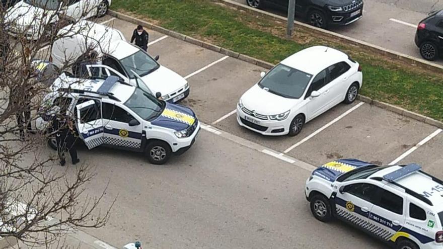 Detenidos tras una gran persecución por robar 30 trapas de alcantarilla en Silla