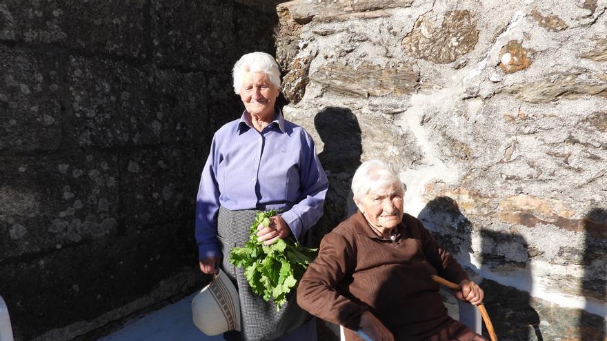 Dolores y Dorinda, la suma de dos siglos de longevidad