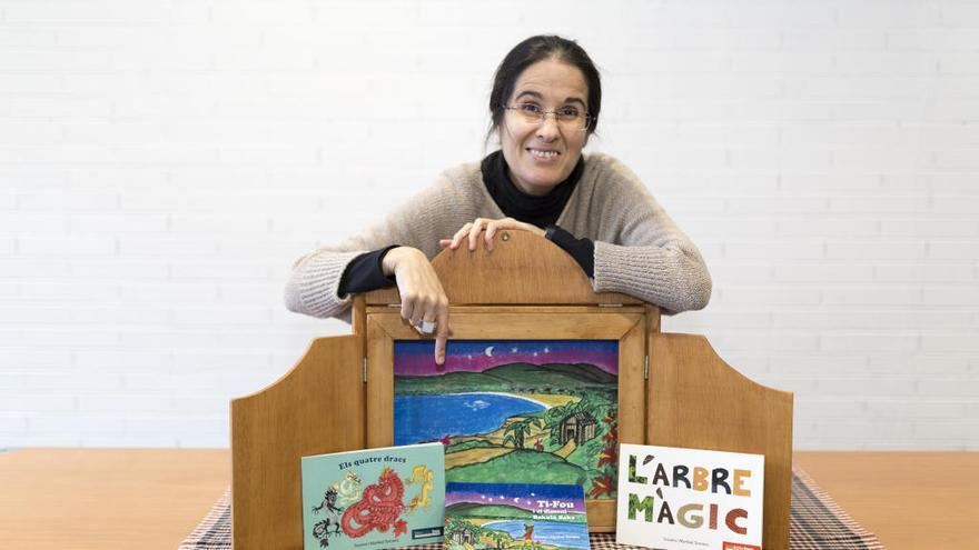 Dues figuerenques editen contes infantils per obrir ponts a la diversitat del món