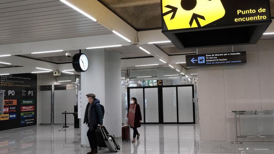 La llegada y el gasto de turistas internacionales se desploman un 85% en enero en Baleares