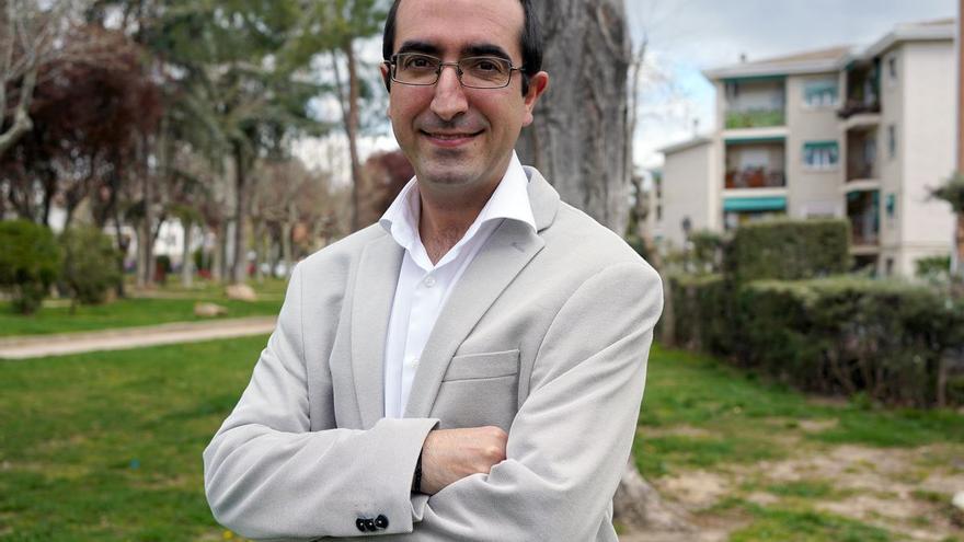 """Luis Santamaría: """"Las sectas captan ahora en la universidad, el deporte olímpico y los conservatorios de música"""""""