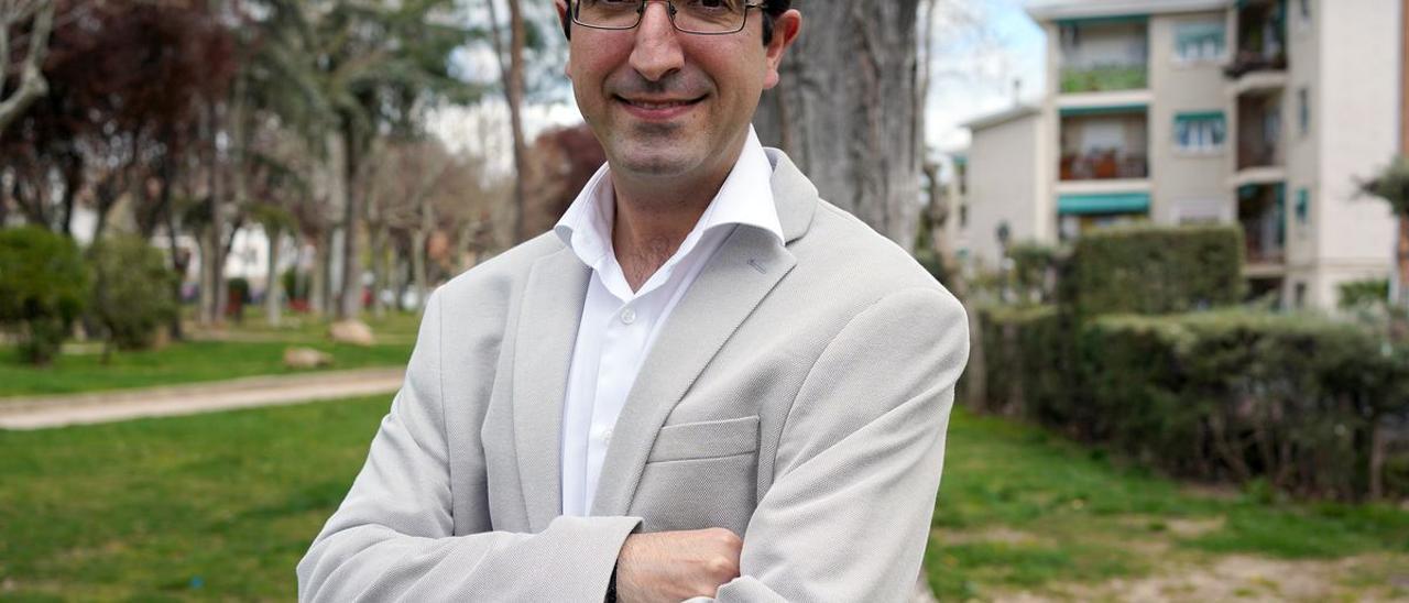 Luis Santamaría, experto en sectas, fotografiado en Madrid.