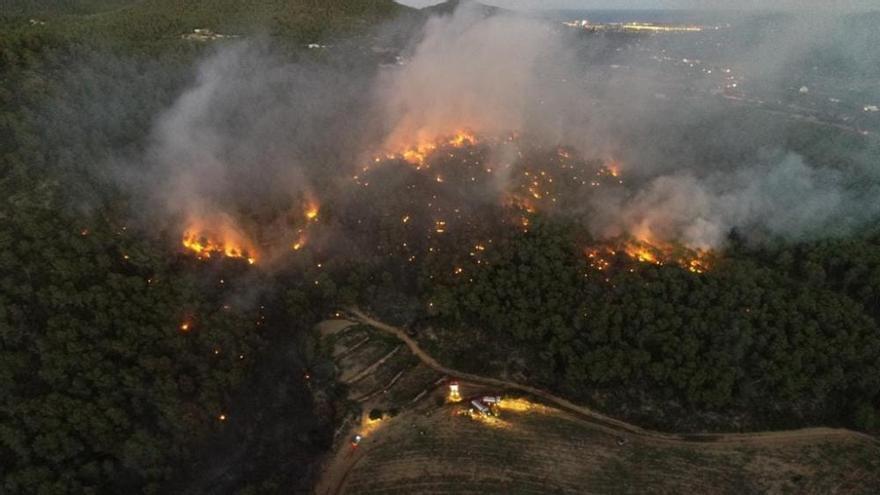Incendio forestal en Ibiza