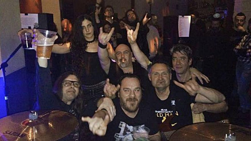 "La marcha del grupo de trash metal ""Drokan"" pone ""patas arriba"" la noche toresana"