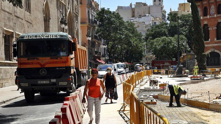Urbanismo lanza una guía para reducir molestias en las 100 obras de este verano