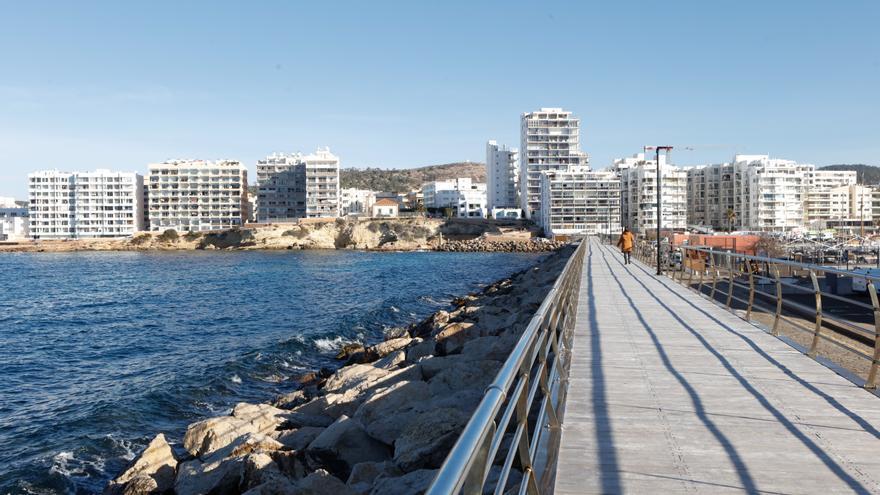 """Sant Josep pide que el puerto de Sant Antoni restrinja la entrada de personas y mercancías a """"situaciones de emergencia"""""""