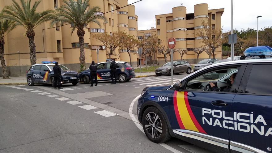 Detenido por robo con violencia e intimidación a una mujer a la salida de una entidad bancaria en Elche