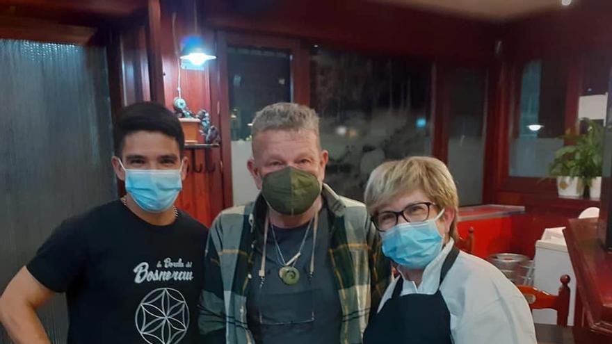 Chicote y Sardá, invitados sorpresa en un restaurante de Biescas