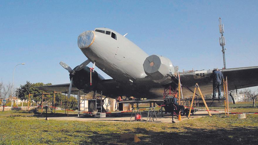 Los dos aviones históricos de Son Bonet serán reformados