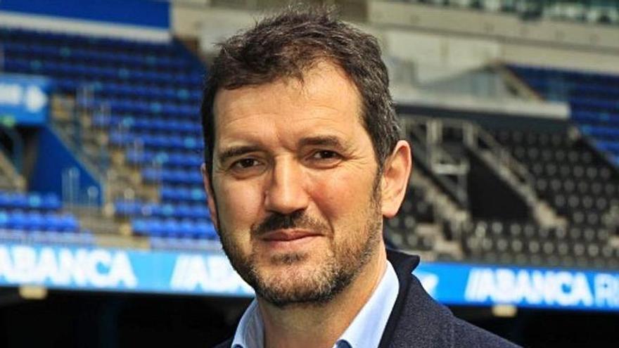 Miguel Juane, nuevo secretario del consejo, en el estadio. |  // RCD
