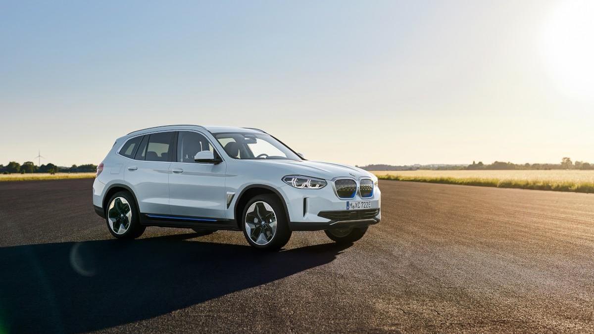 BMW iX3 2021, la versión 100% eléctrica del X3