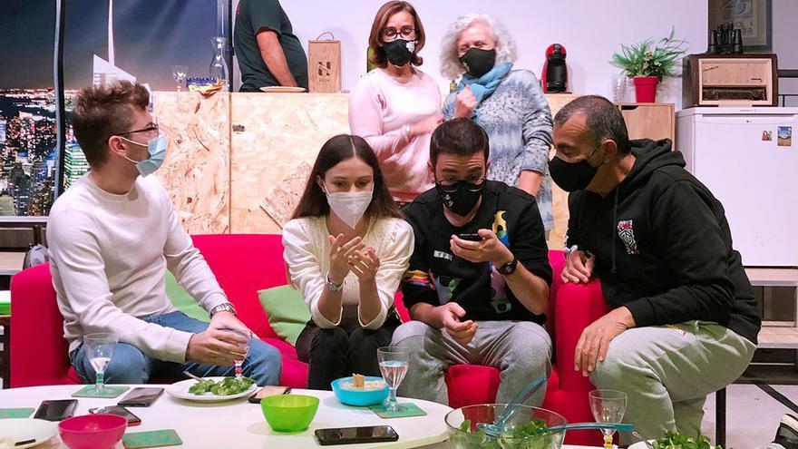 """El grupo de teatro Pla i Revés estrena el sábado la obra """"Imperfectes coneguts"""" en el Palau Altea"""