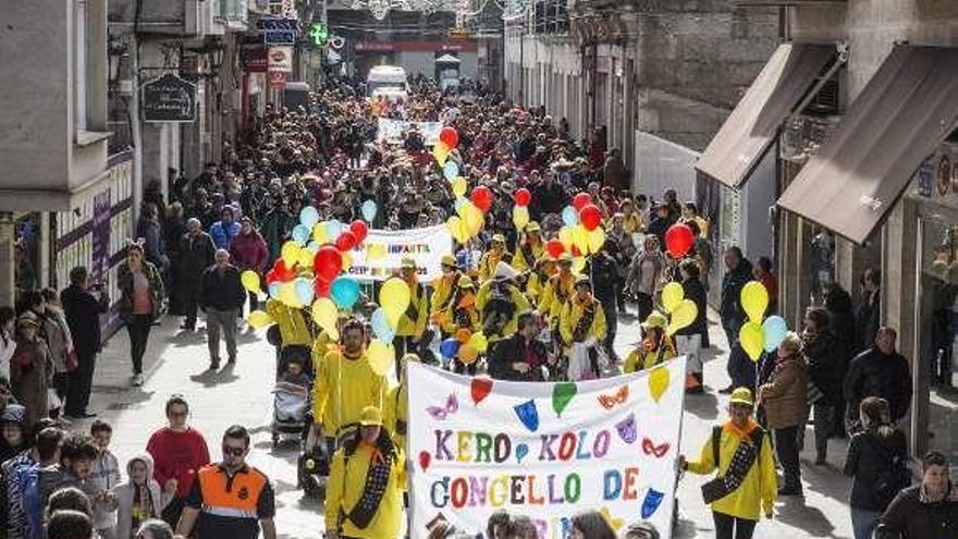 Más de 1.500 niños en el desfile infantil verinés