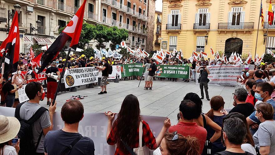 El cambio legal sobre los interinos siembra el caos en la Generalitat