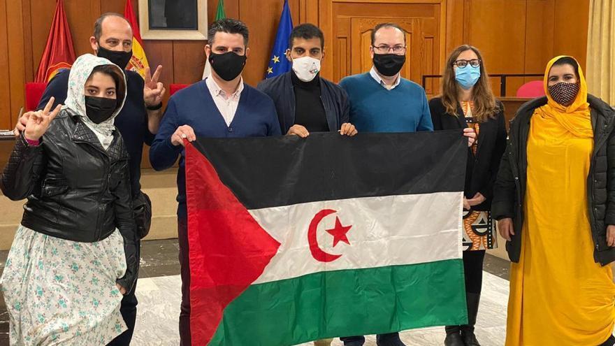 Córdoba se reafirma en su apoyo al pueblo saharaui y tumba la moción de Vox sobre inmigración
