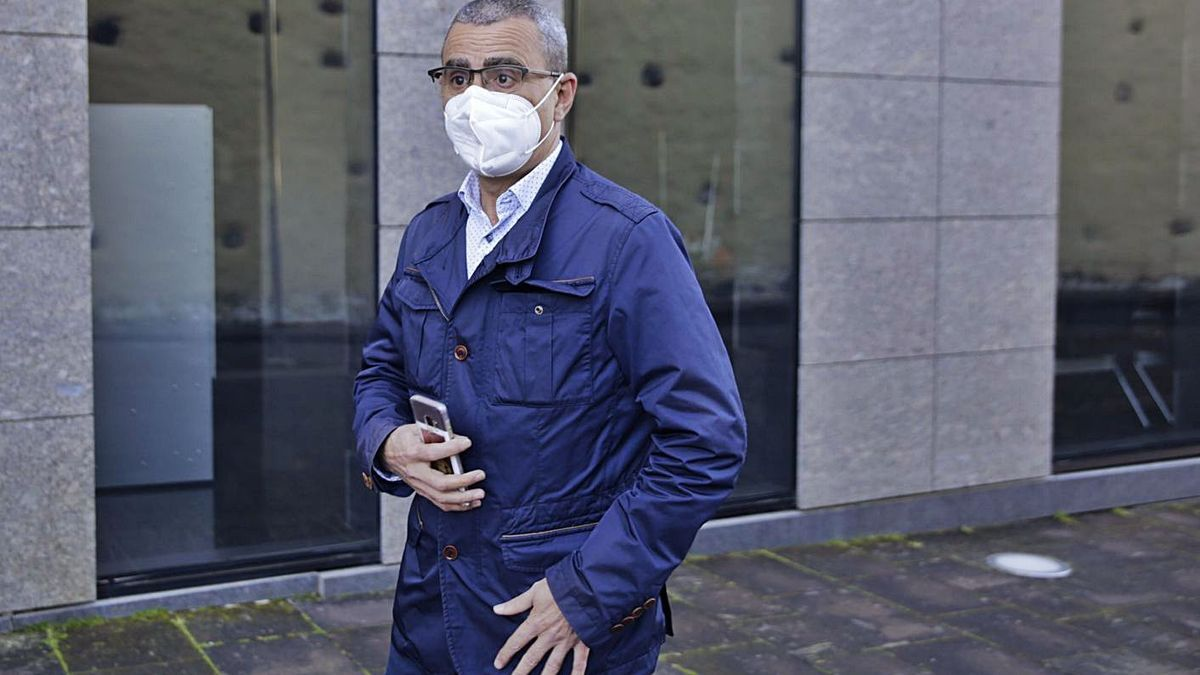 Javier Abreu entra el jueves al Palacio de Justicia de La Laguna para declarar como testigo ante Pamparacuatro.