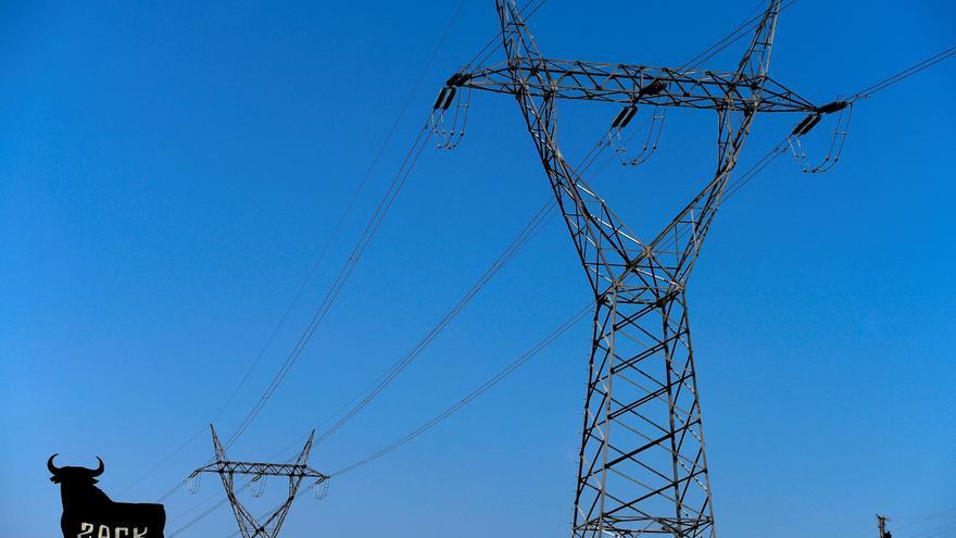 La luz sube este sábado casi un 4% hasta alcanzar 211,21 euros por megavatio hora