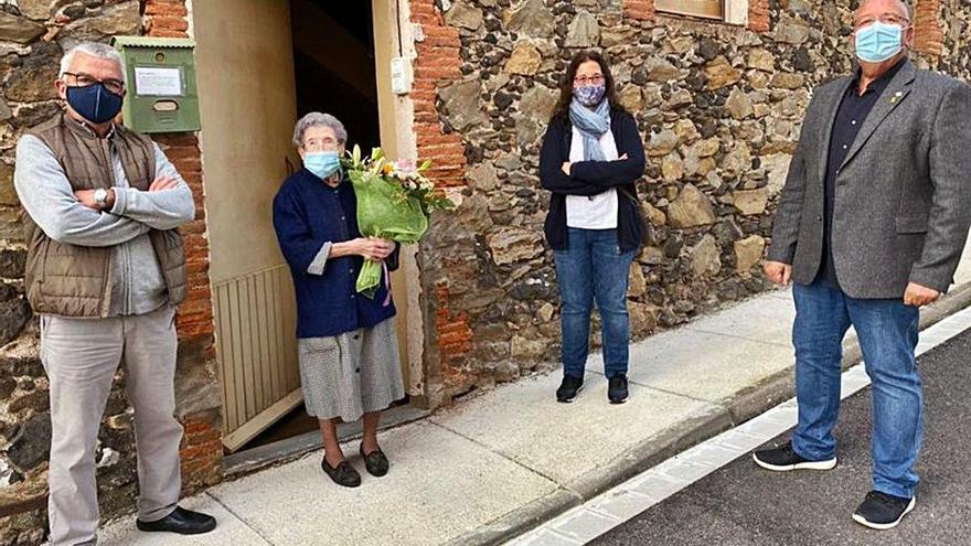 Una dona de la Canya celebra el   cent sis aniversari amb bona salut
