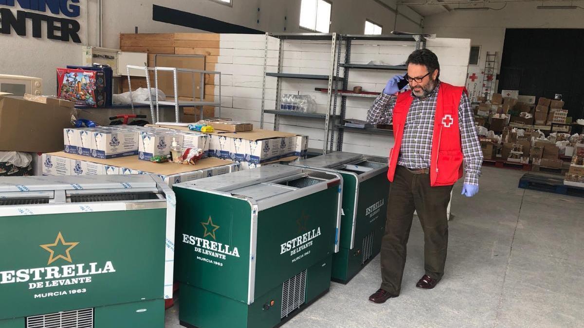 Estrella de Levante amplía la donación de agua y apoyo logístico en Albacete y Almería