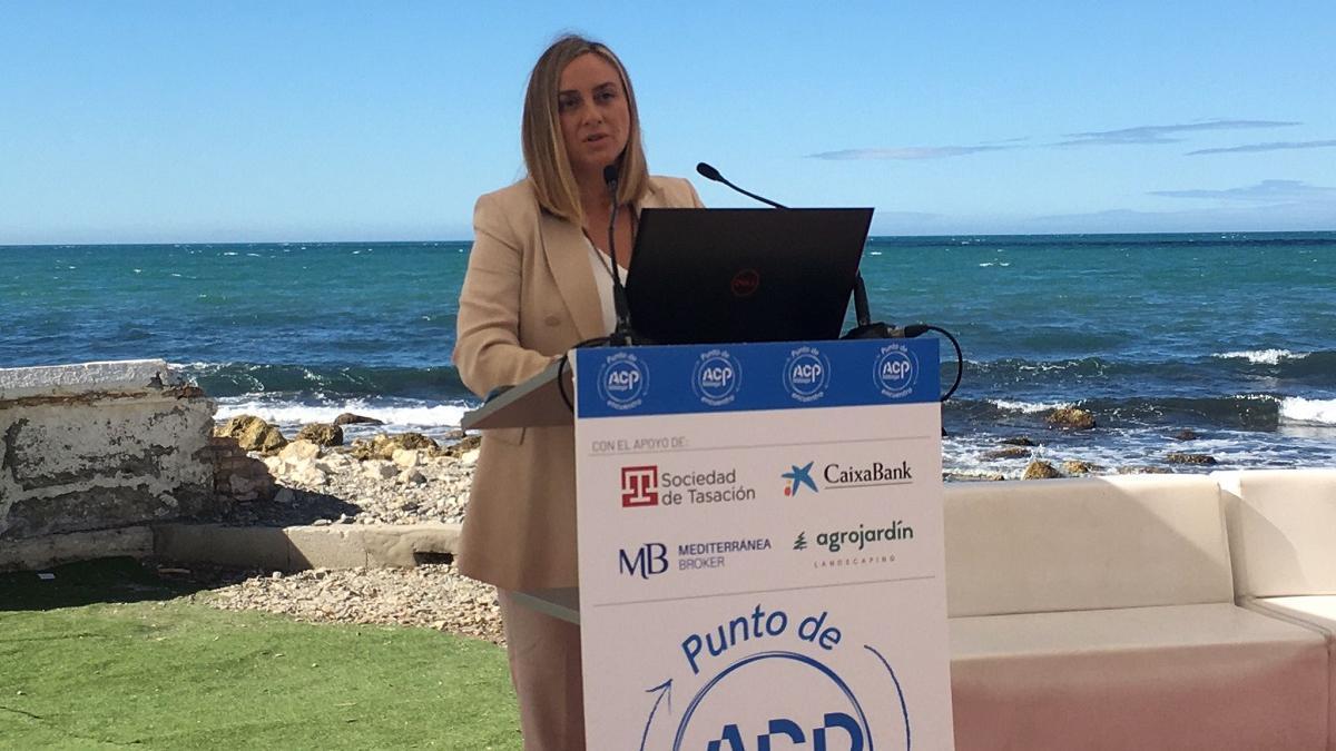 La consejera Marifrán Carazo, en el encuentro de la ACP.