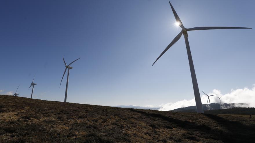 El Principado limitará la altura de las torres para reducir el impacto del despliegue eólico