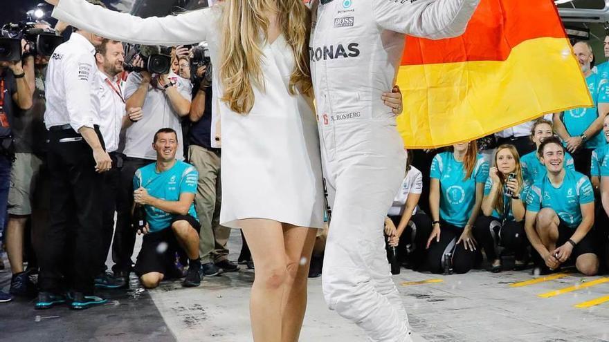 """Rosberg anuncia su retirada para """"ejercer de padre y esposo"""""""