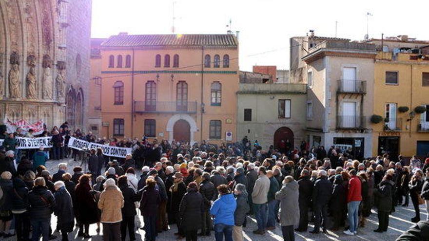 Castelló aprova per unanimitat una moció que reclama al Bisbat no rellevar el mossèn