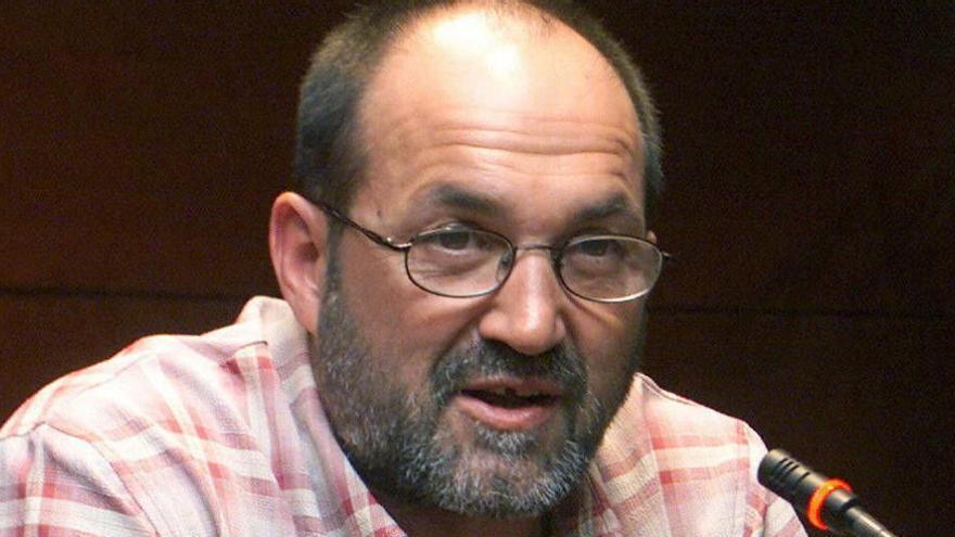 Juanito Oiarzabal, ingresado por una neumonía severa causada por el coronavirus