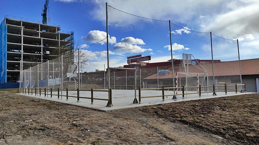 Ciudad Naranco tendrá este año una pista polideportiva en un solar vacío del barrio