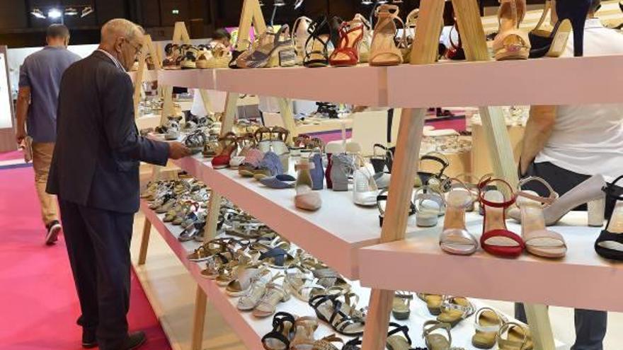 Rusia complica la importación de 30 millones al año de calzado español