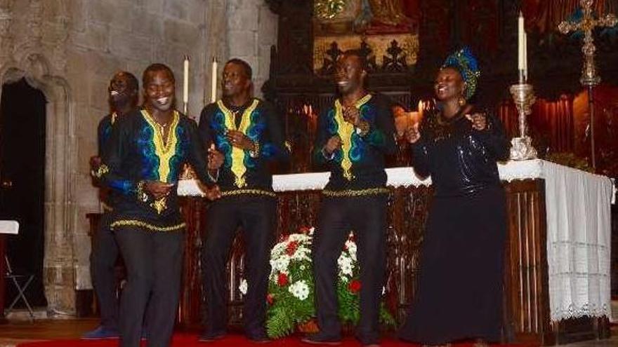 Música de gospel en el festival benéfico en la basílica de Santa María