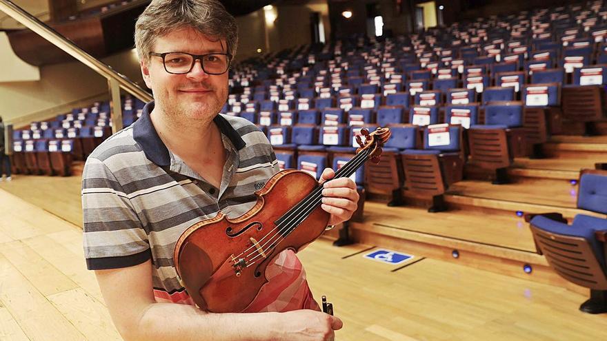 """Roman Simovic: """"En el Reino Unido, por la pandemia, muchos músicos han tenido que reconvertirse en repartidores"""""""