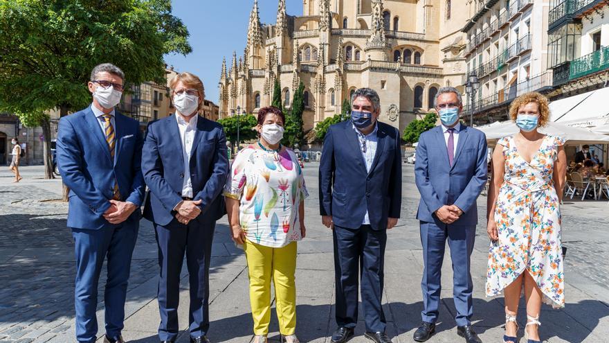 """El ministro de Cultura ve en la nueva ley de Patrimonio """"el enganche perfecto"""" para cerrar inversiones en el Acueducto de Segovia"""