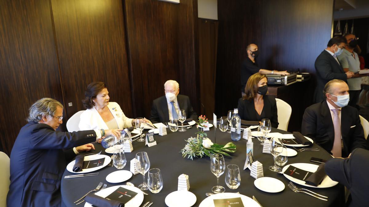 """Cecilia Alvargonzález recibe el premio a la """"Gijonesa del año"""""""