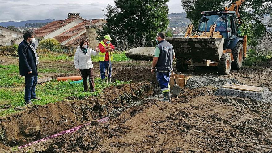 Avanzan a buen ritmo las obras de construcción de la nueva calle en el barrio de A Caeira