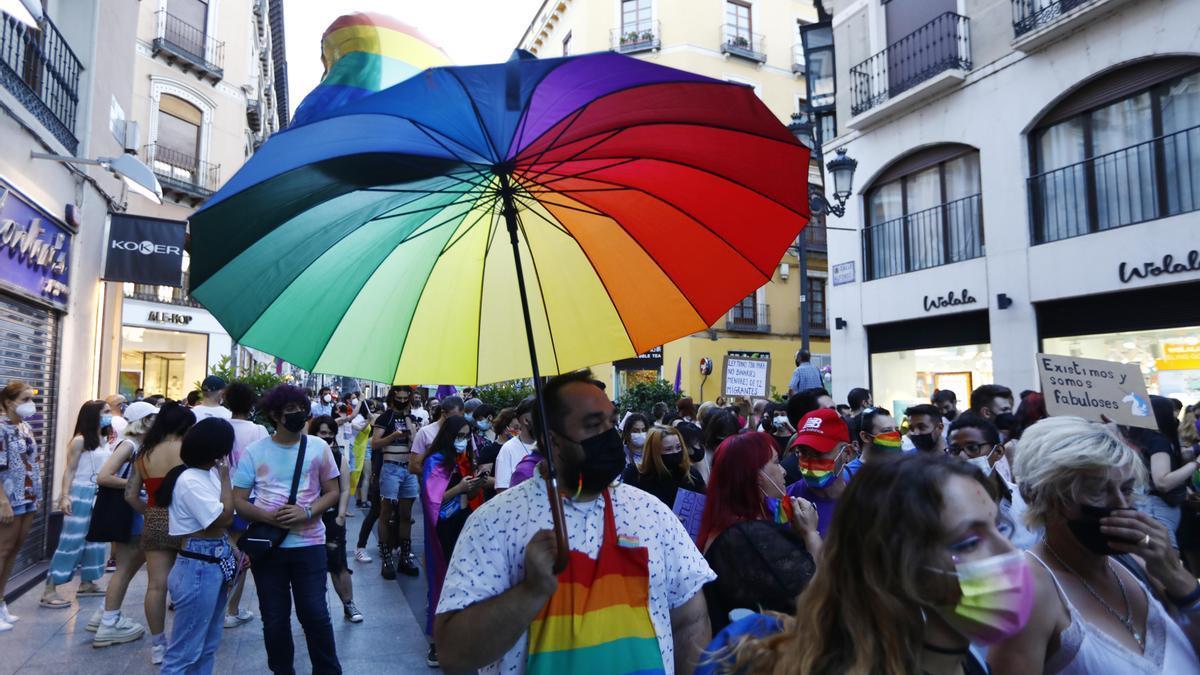 Según la Policía Nacional a la marcha asistieron 1.000 personas.