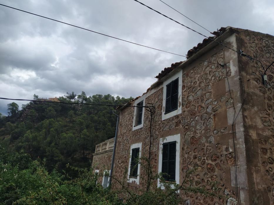 Tormenta, granizo y un 'cap de fibló' en Mallorca