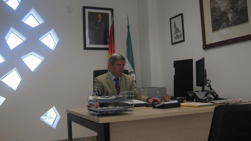 Fernando Sobrón destaca la labor de la Sección de Mayores con las diligencias sobre las residencias