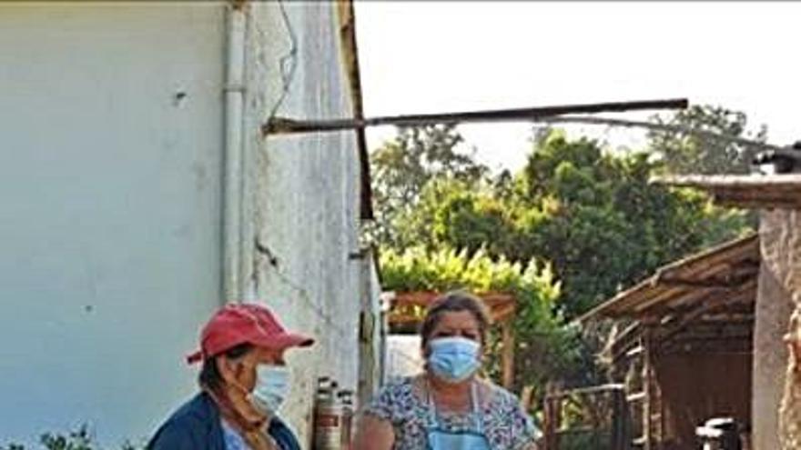 Vecinos del lugar de Lendoiro reclaman contenedores de basura cerca de sus casas desde 2016