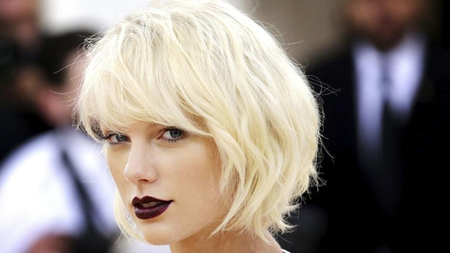 Taylor Swift iguala el récord de Whitney Houston al frente de la lista Billboard